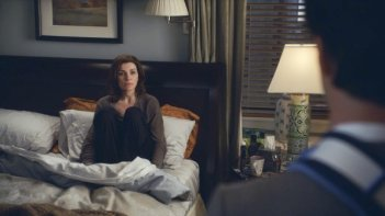The Good Wife: Julianna Margulies nell'episodio A Material World