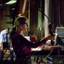Arrow: Emily Bett Rickards in una scena dell'episodio Odissea