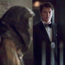 Arrow: John Barrowman nell'episodio Il filantropo dell'anno, prima stagione