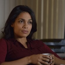 Captives: Rosario Dawson in una scena del film