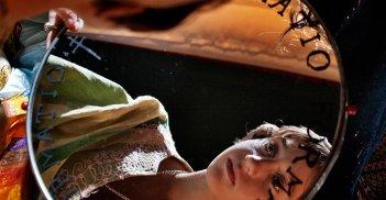 Incompresa: Giulia Salerno allo specchio