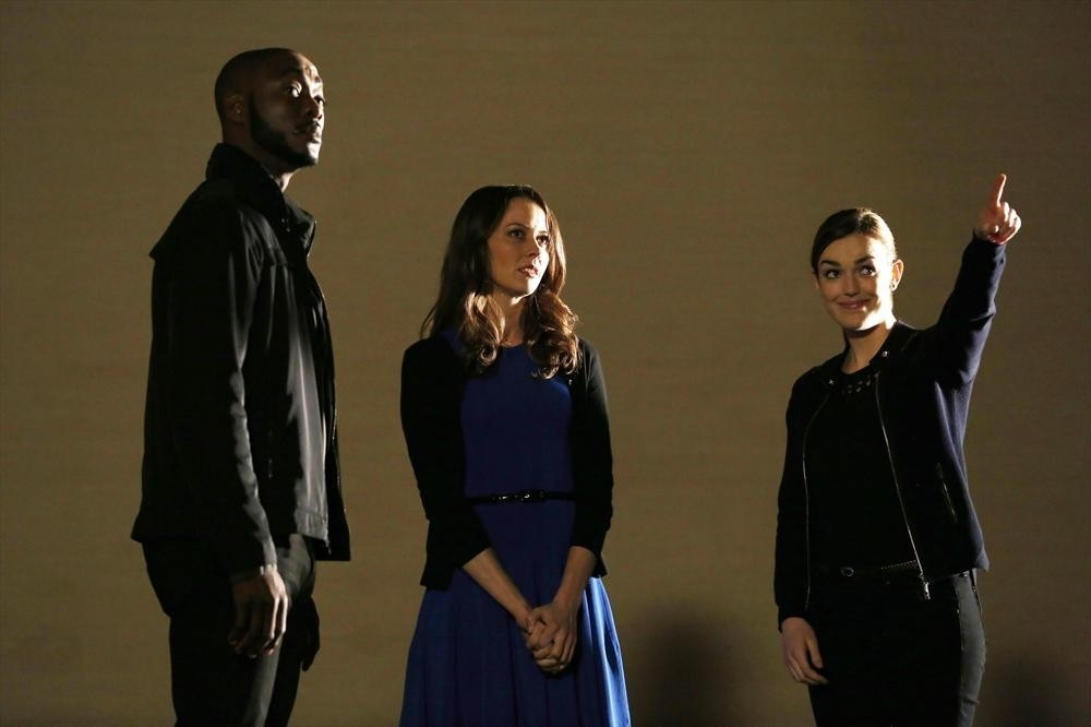 Agents Of S H I E L D Amy Acker Elizabeth Henstridge B J Britt Nell Episodio The Only Light In The D 367031