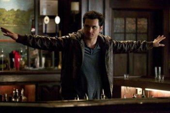 The Vampire Diaries: Michael Malarkey nell'episodio Man on Fire