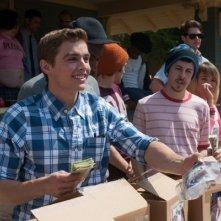 Neighbors: Dave Franco e Christopher Mintz-Plasse organizzano un banchetto di vendita