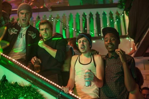 Neighbors: Zac Efron, Dave Franco e Christopher Mintz-Plasse in un locale