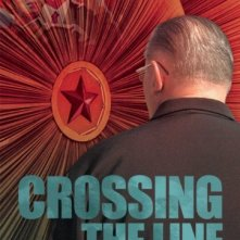 La locandina di Crossing the Line