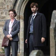 Broadchurch: David Tennant, Olivia Colman in una scena della serie