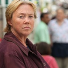 Broadchurch: Pauline Quirke in una scena