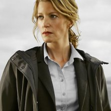Gracepoint: manifesto per il personagio interpretato da Anna Gunn