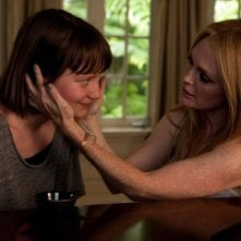 Maps to the stars: Mia Wasikowska in una scena del film con Julianne Moore