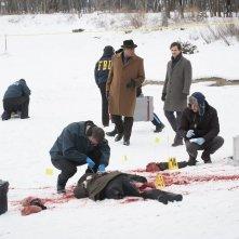 Hannibal: Hugh Dancy con Laurence Fishburne in una scena dell'episodio Shiizakana, seconda stagione