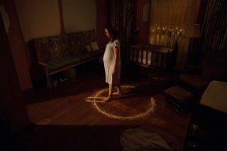 La stirpe del male: Allison Miller in un'inquietante immagine del film