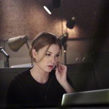 Revenge: Emily VanCamp nell'episodio Impetus, terza stagione