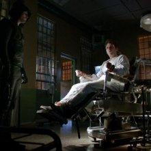 Arrow: Stephen Amell e Seth Gabel nell'episodio Conti in sospeso, della prima stagione
