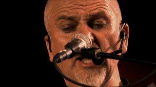 Back To Front - Peter Gabriel Live in London: un primo piano di Peter Gabriel tratto dal film-concerto