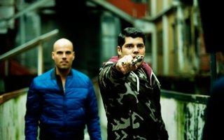 Gomorra - La serie: Marco D'Amore e Salvatore Esposito in una scena della serie