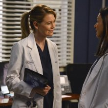Grey's Anatomy: Ellen Pompeo e Caterina Scorsone nell'episodio We Are Never Getting Back Together