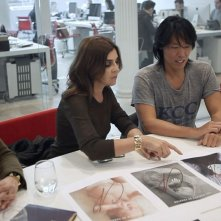 Mademoiselle C: Carine Roitfeld a lavoro nella redazione di Vogue Paris con Stephen Gan in una scena del film