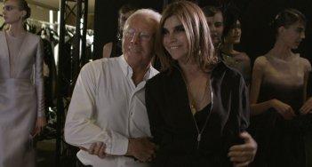 Mademoiselle C: Carine Roitfeld con Giorgio Armani in una scena del film