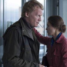 Leviathan: Aleksey Serebryako con Elena Lyadova in una scena del film