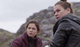 Leviathan: Elena Lyadova in una scena del film con Anna Ukolova