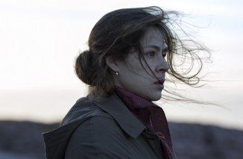Leviathan: Elena Lyadova in una scena del film nei panni di Lylia