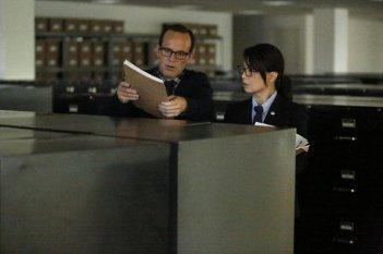 Agents of S.H.I.E.L.D.: Ming-Na Wen e Clark Gregg in una scena di Ragtag