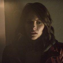 Arrow: un'immagine di Willa Holland nell'episodio Streets of Fire, seconda stagione