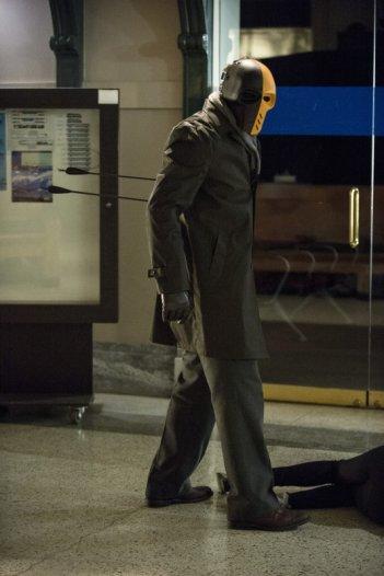 Arrow: una scena dell'episodio Streets of Fire, seconda stagione