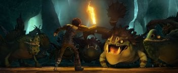 Dragon Trainer 2: Hiccup allena i suoi draghi in una scena del film