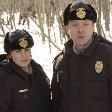 Fargo: Allison Tolman e Shawn Doyle in una scena della mini serie