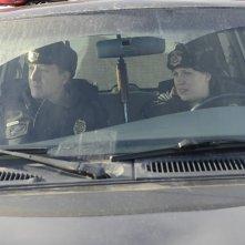 Fargo: Vern Thurman e Shawn Doyle in una scena della mini serie