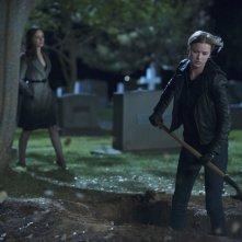 Revenge: Emily VanCamp con Madeleine Stowe nell'episodio Execution