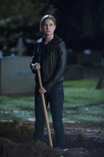Revenge: un'immagine di Emily VanCamp nell'episodio Execution, terza stagione