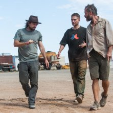 The Rover: Guy Pearce e Robert Pattinson sul set del film con il regista David Michôd