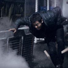 The target: una concitata scena d'azione del film