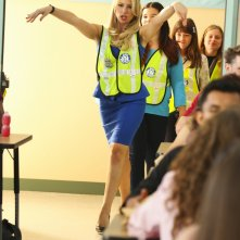 Bad Teacher: Ari Graynor, Madison De La Garza, Sara Rodier Gracie Kaufman in una scena del pilot