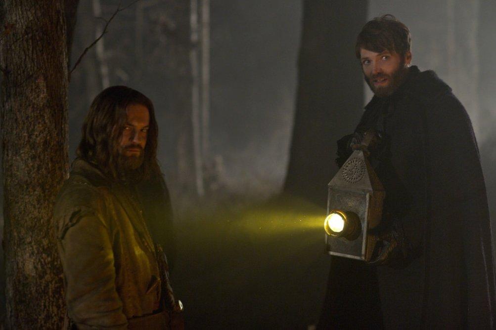 Salem: Shane West e Seth Gabel nell'episodio The Stone Child, della prima stagione