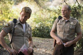 True Blood: Chris Bauer, Ryan Kwanten in un'immagine dell'episodio I Found You