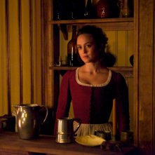 TURN: Heather Lind in una scena dell'episodio Who By Fire
