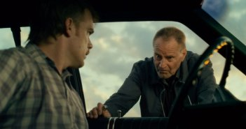 Cold in July: Micheal C. Hall con Sam Shepard in una scena del film