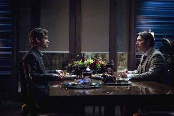 Hannibal: Mads Mikkelsen con Hugh Dancy nell'episodio Ko No Mono