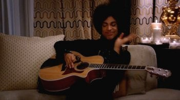 Prince in un episodio della terza stagione di New Girl.