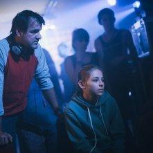 White God: il regista Kornél Mundruczó sul set con la piccola protagonista Zsófia Psotta