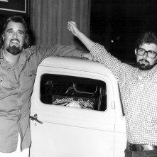 George Lucas sul set di American Graffiti con George Weston Smith