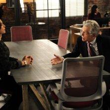 The Good Wife: Tom Sekrritt e Julianna Margulies in una scena dell'episodio The One Percent