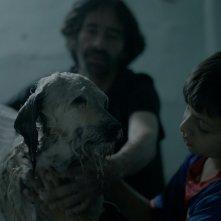 Gente de bien: Brayan Santamaria in una scena del film