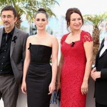 Winter Sleep: il regista Nuri Bilge Ceylan insieme al cast durante il photocall di Cannes 2014