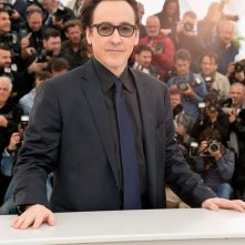 Maps to the stars: John Cusack durante il photocall a Cannes 2014