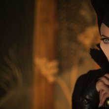Maleficent: Angelina Jolie in un'intensa scena del film